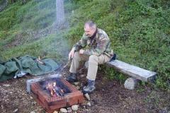 Feuer vorbereiten zum Grillen by Seija