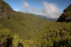 Auf dem Weg ins Tal der 25 Wasserfälle