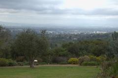 Im Kirstenbosch Botanischer Garten mit Blick auf Kapstadt