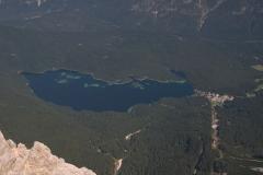 Blick von der Zugspitze auf den Eibsee